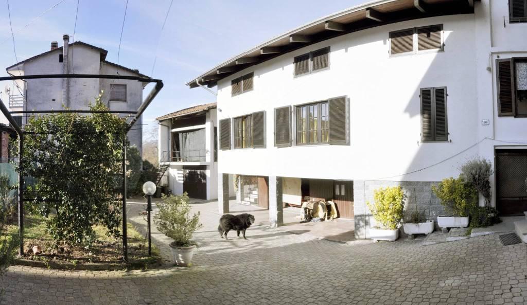 Foto 1 di Casa indipendente Lugnacco
