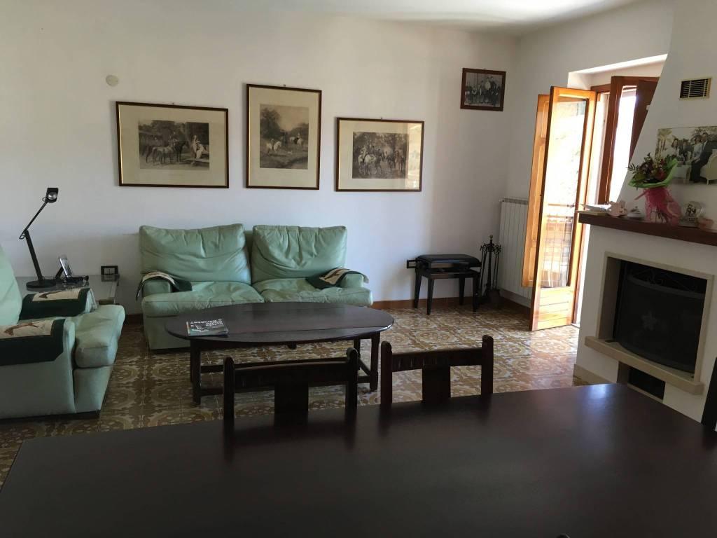 Appartamento trilocale in vendita a Castiglione Messer Marino (CH)