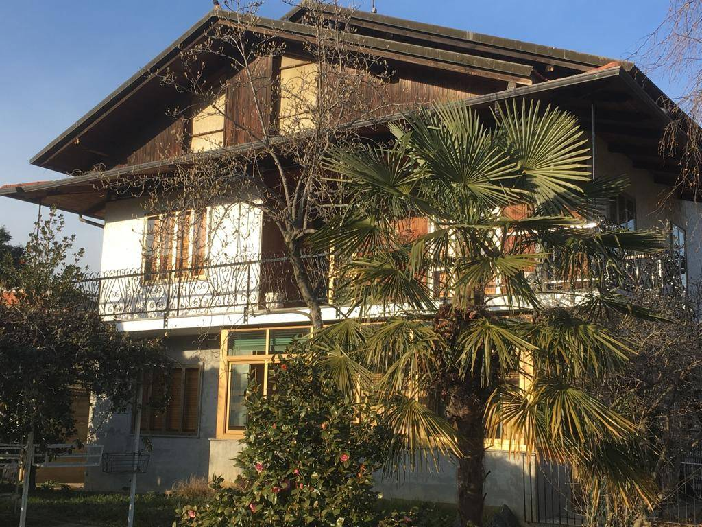 Foto 1 di Villa via 1 Maggio, Balangero