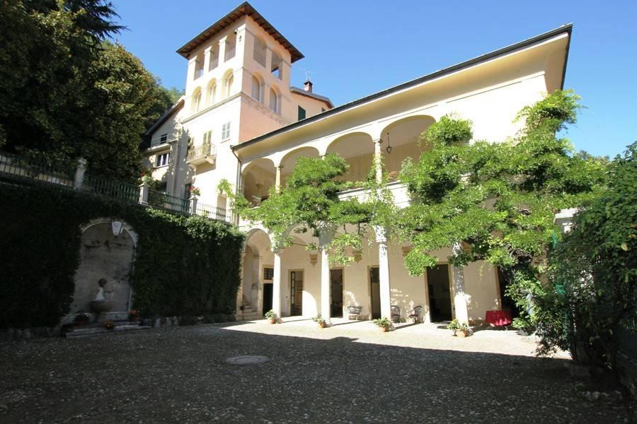 Villa in vendita a Castello Cabiaglio, 4 locali, Trattative riservate | CambioCasa.it