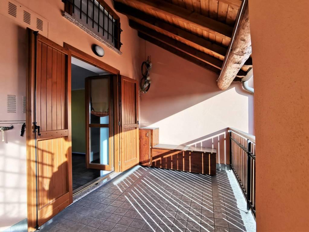 Appartamento in ottime condizioni in vendita Rif. 9164952