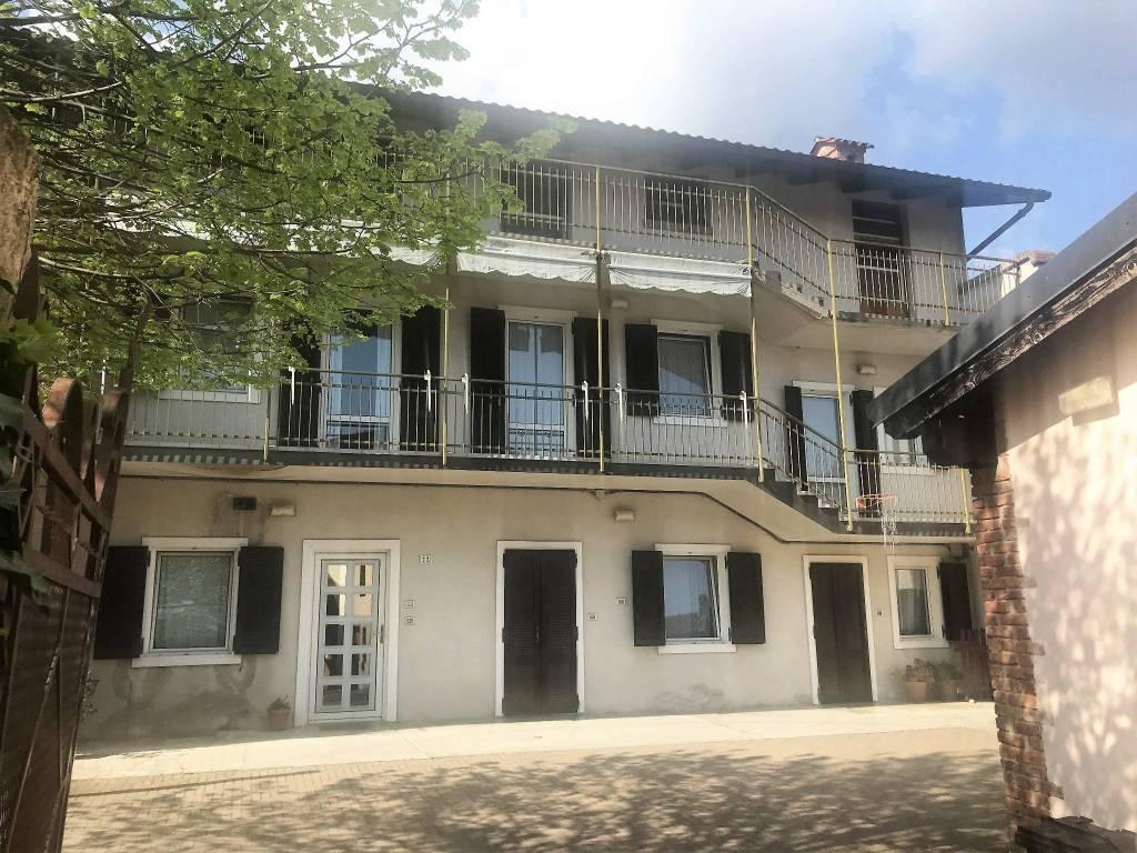 Villa in buone condizioni in vendita Rif. 9447664