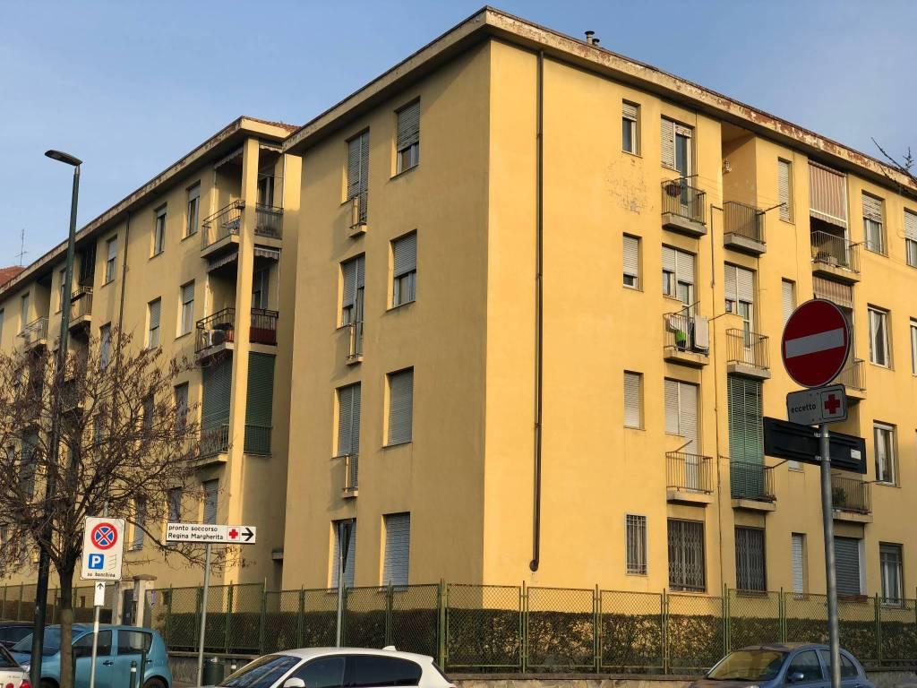 Foto 1 di Trilocale via Prospero Richelmy 25, Torino (zona Valentino, Italia 61, Nizza Millefonti)