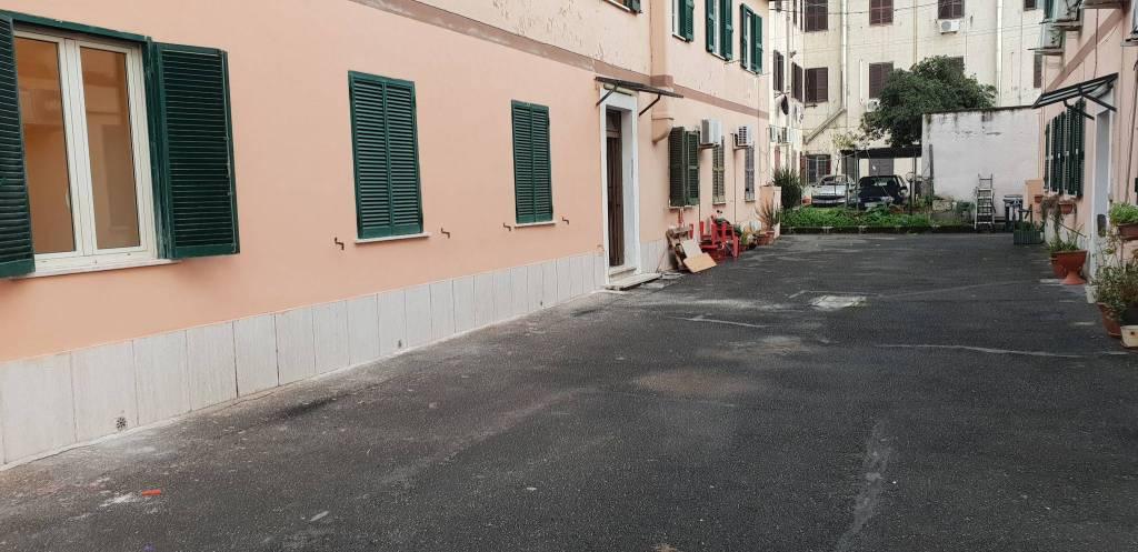 Appartamento in ottime condizioni in vendita Rif. 9450471