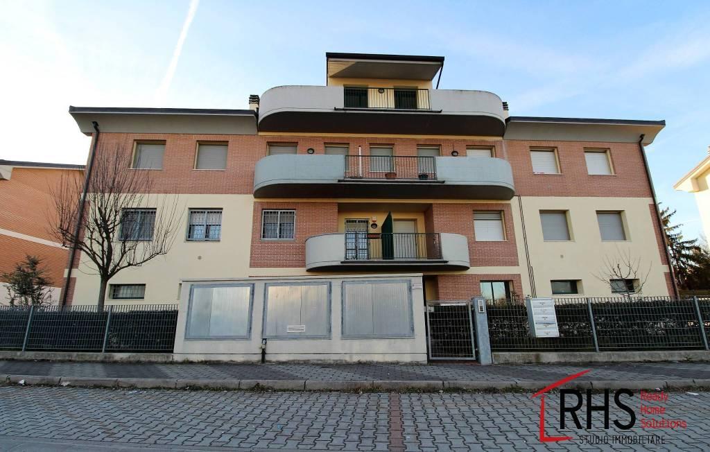 Appartamento in ottime condizioni in vendita Rif. 9455396
