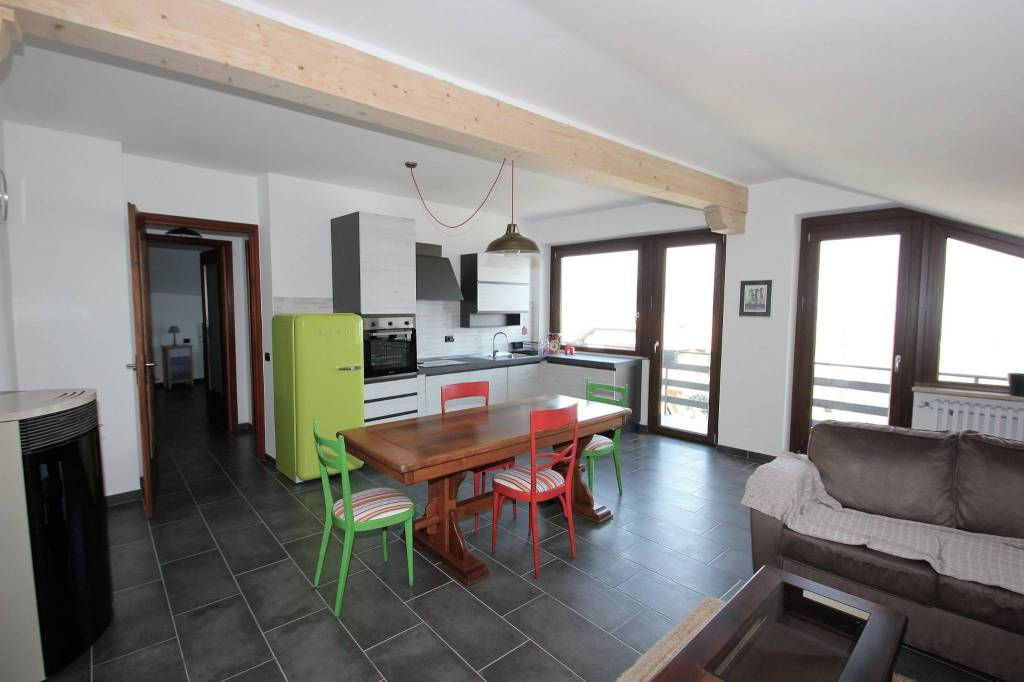 Appartamento quadrilocale in vendita a Donato (BI)