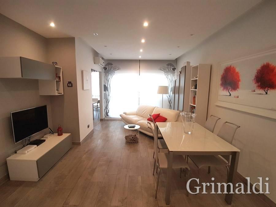 Appartamento in ottime condizioni in vendita Rif. 9449014