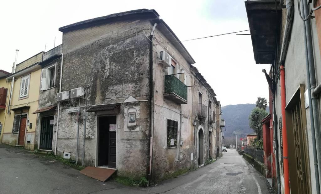 Casa indipendente trilocale in vendita a Bracigliano (SA)