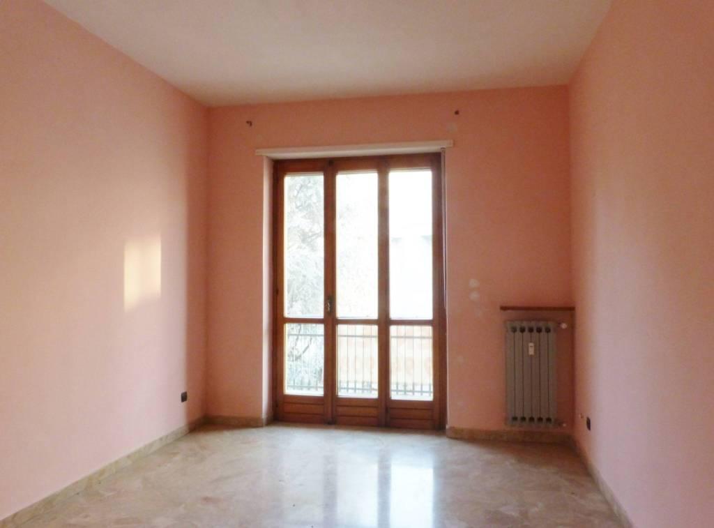 Appartamento in buone condizioni in affitto Rif. 9454749
