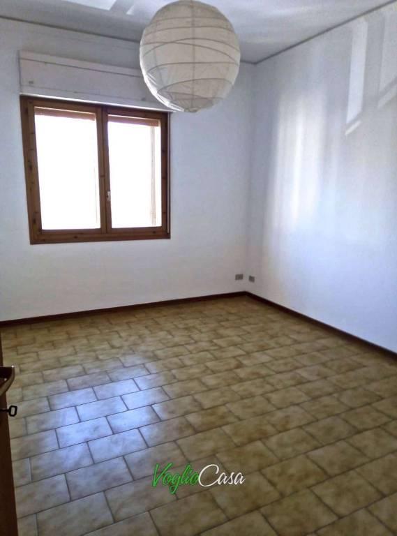 Appartamento in ottime condizioni parzialmente arredato in affitto Rif. 8609921