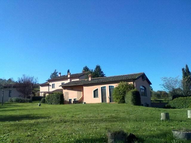Rustico in Vendita a Citta' Della Pieve Periferia:  5 locali, 615 mq  - Foto 1