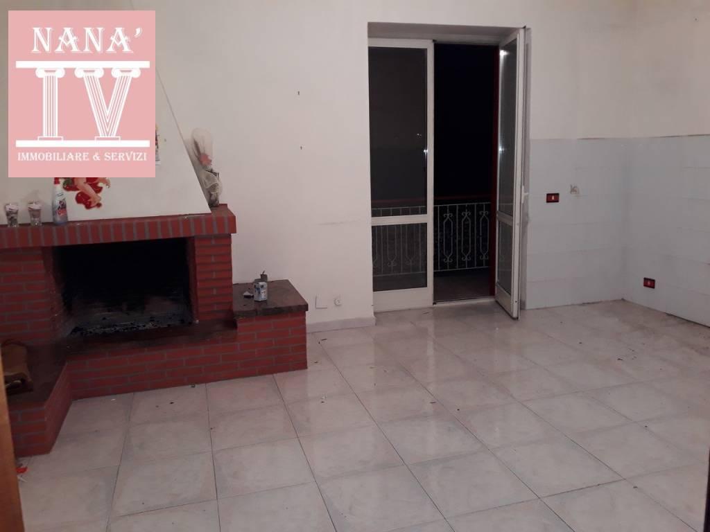Appartamento in buone condizioni in affitto Rif. 9468551