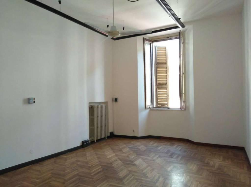 Ufficio / Studio in affitto a Lodi, 4 locali, prezzo € 800 | CambioCasa.it