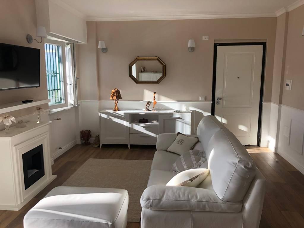 Appartamento in ottime condizioni in vendita Rif. 9466950