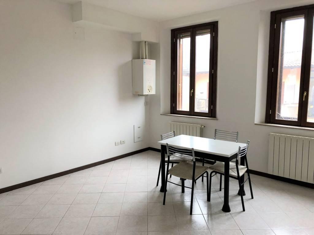 Appartamento in buone condizioni in affitto Rif. 9463799