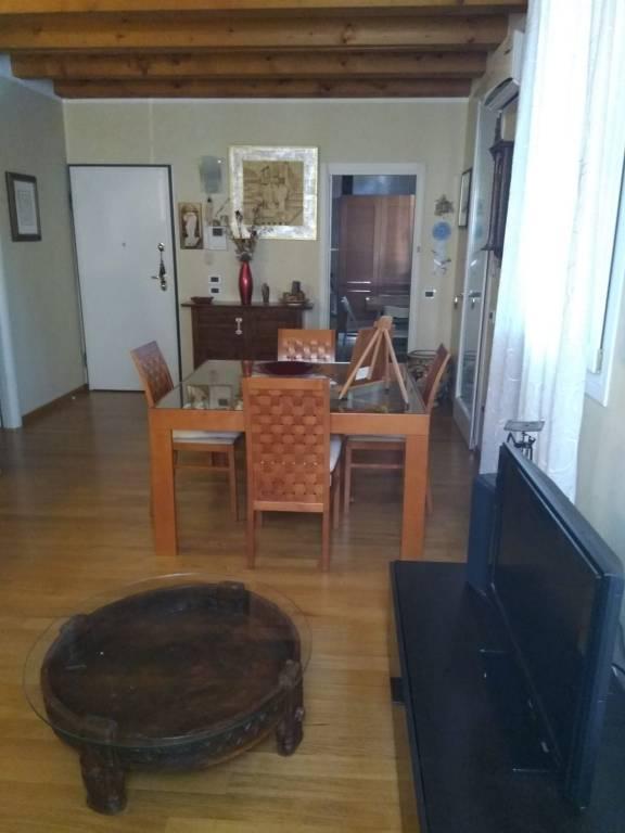Appartamento in ottime condizioni parzialmente arredato in affitto Rif. 9465850