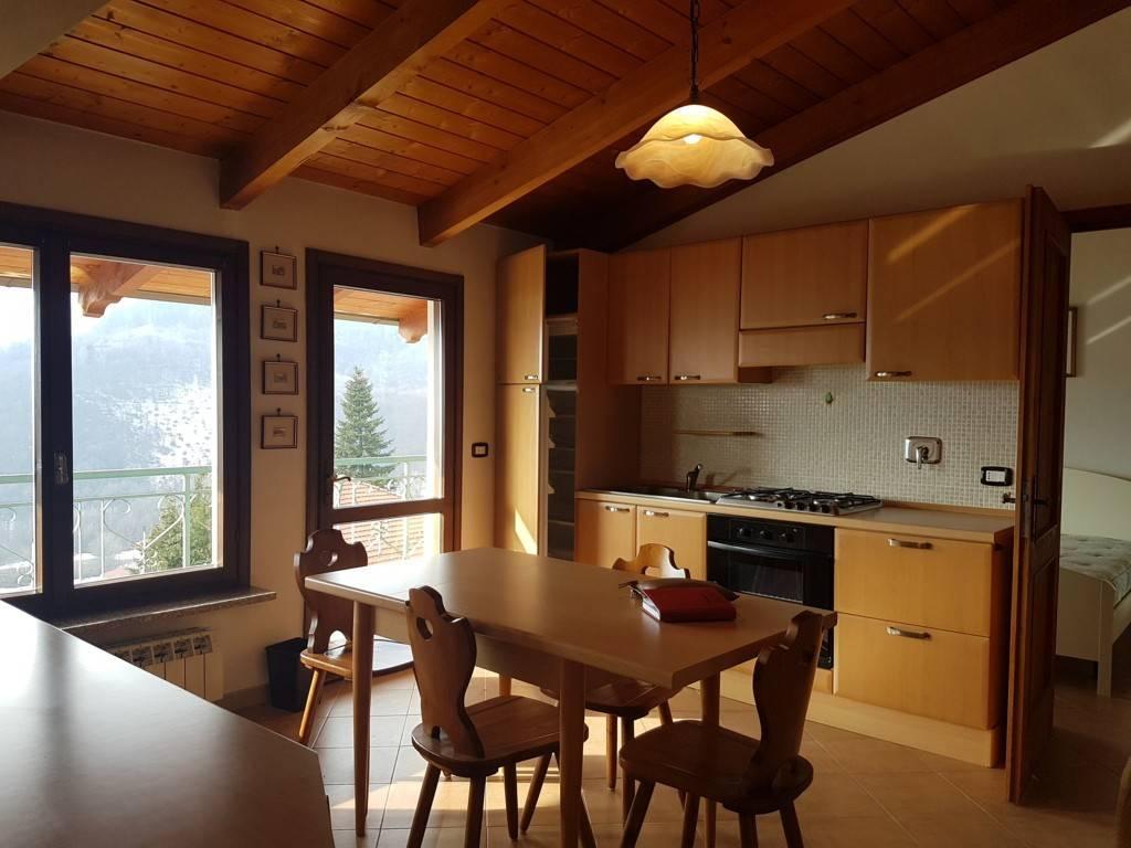 Appartamento in ottime condizioni arredato in affitto Rif. 9466664