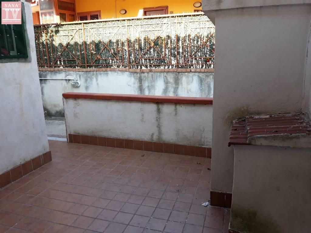 Appartamento in buone condizioni arredato in affitto Rif. 9468559