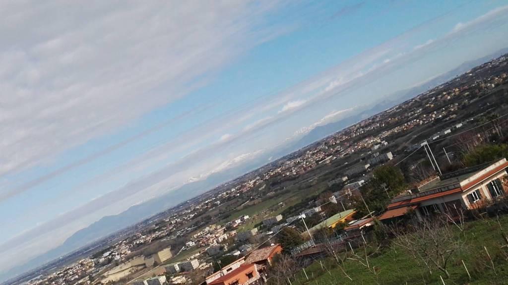 Appartamento in vendita a Pozzuoli, 4 locali, prezzo € 235.000 | CambioCasa.it
