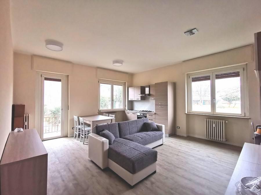 Appartamento in ottime condizioni arredato in affitto Rif. 9136987