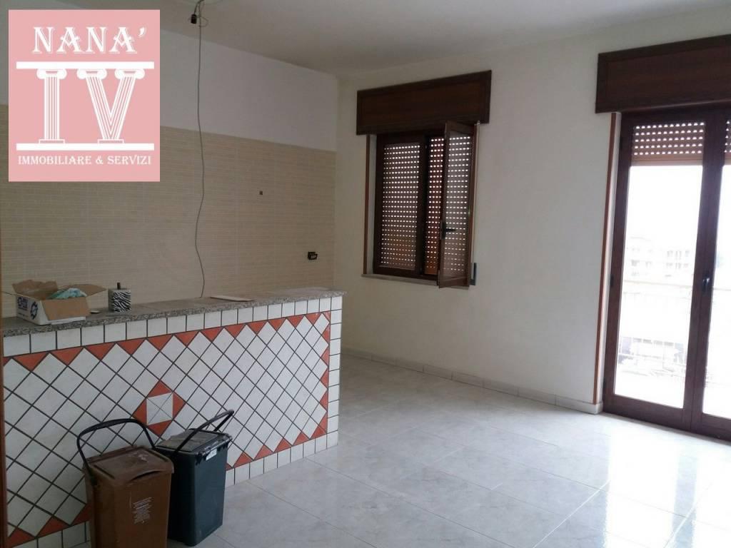Appartamento in ottime condizioni in affitto Rif. 9468562