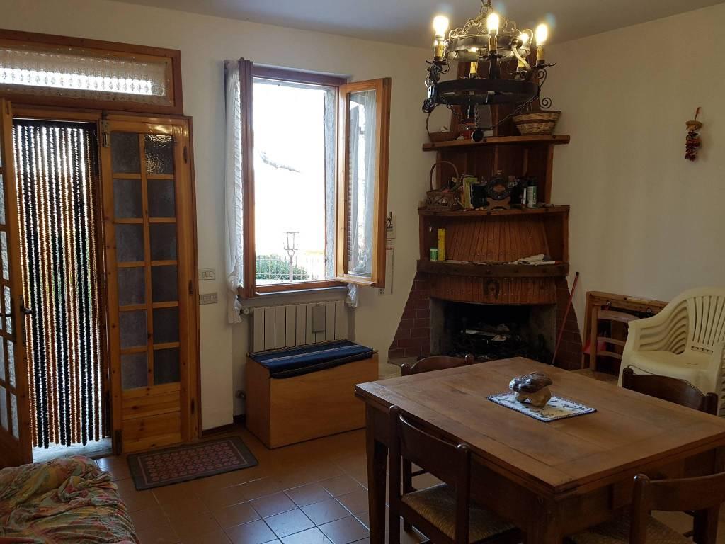 Appartamento in vendita a Bagno di Romagna, 3 locali, prezzo € 98.000 | CambioCasa.it