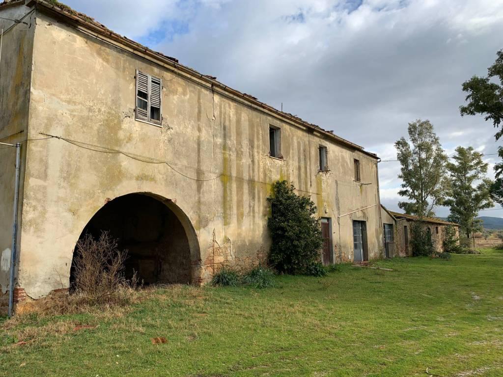 Rustico / Casale da ristrutturare in vendita Rif. 8492418