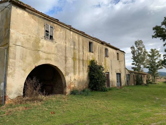 Rustico / Casale da ristrutturare in vendita Rif. 4871282