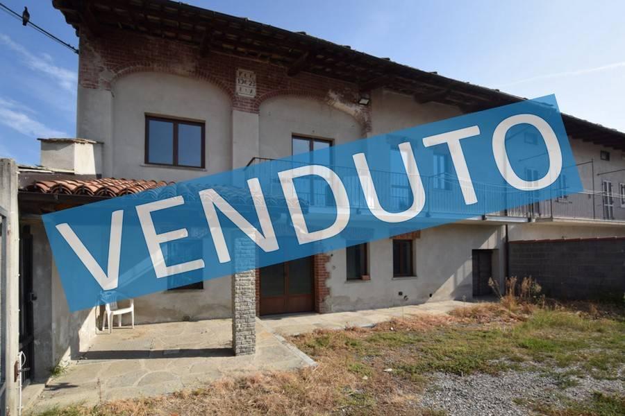 Rustico / Casale in buone condizioni in vendita Rif. 9467008