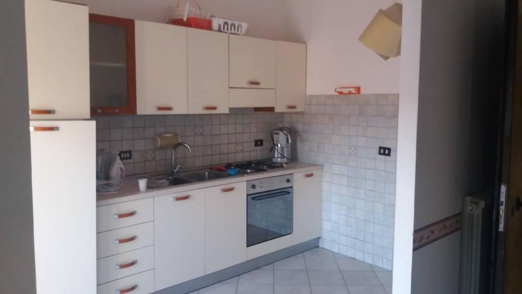 Appartamento in ottime condizioni parzialmente arredato in affitto Rif. 9468567