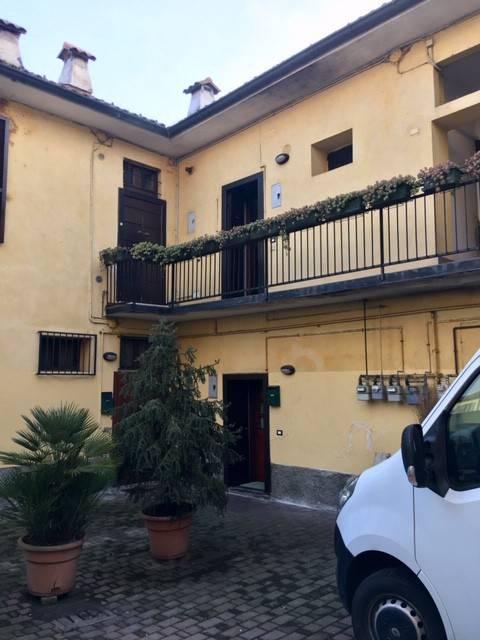 Appartamento in buone condizioni arredato in affitto Rif. 9470289