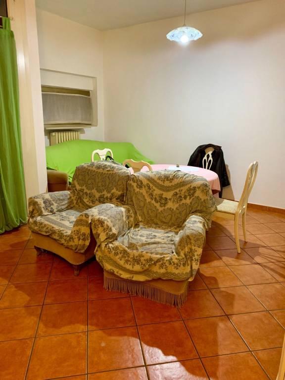 Appartamento in buone condizioni in vendita Rif. 9466976
