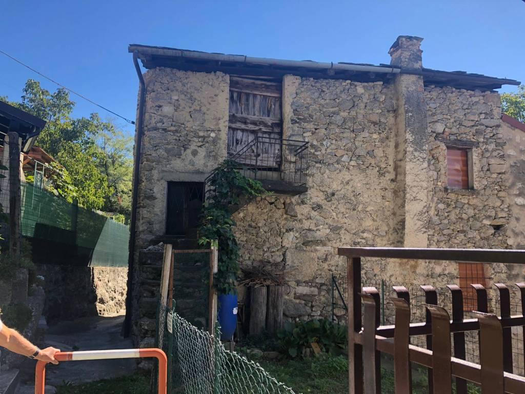 Rustico / Casale in vendita a Morbegno, 4 locali, prezzo € 60.000 | CambioCasa.it