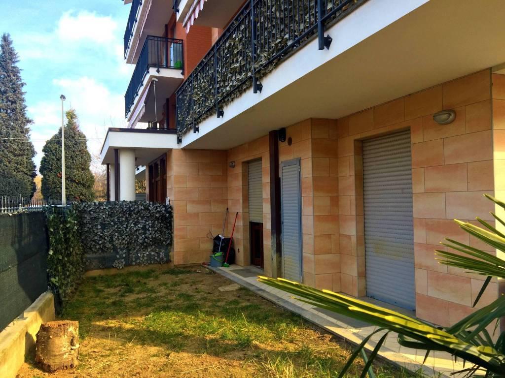 Appartamento in buone condizioni in vendita Rif. 9488964