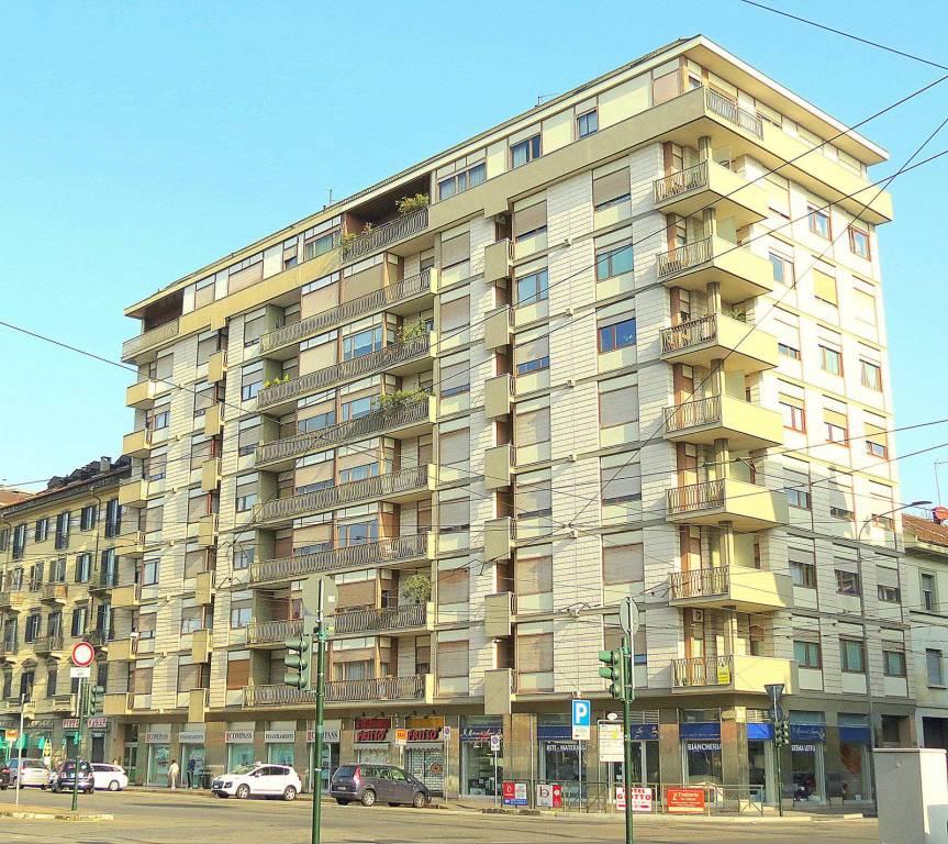 Appartamento in ottime condizioni arredato in affitto Rif. 9489152