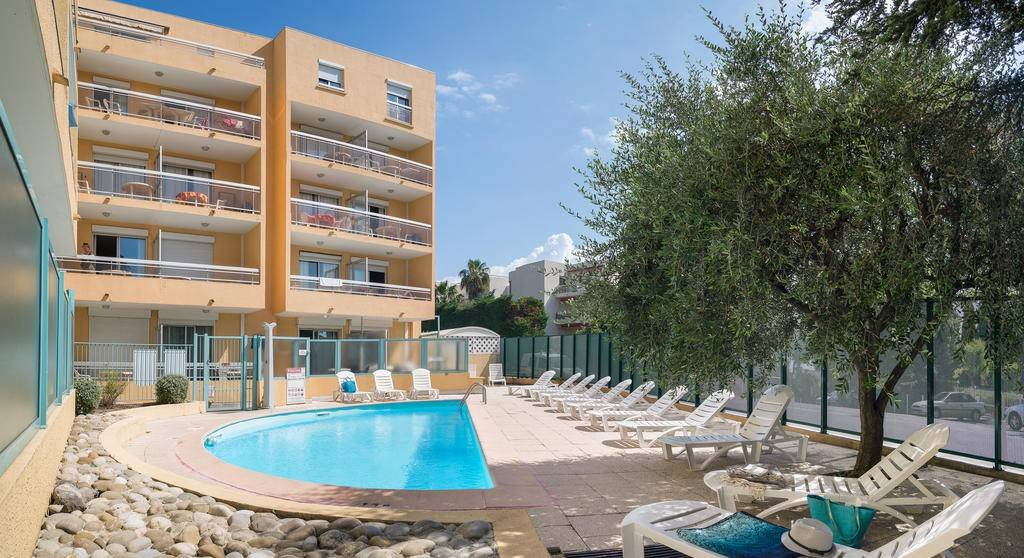 Appartamento in ottime condizioni arredato in affitto Rif. 9480472