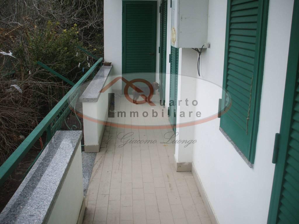Appartamento in buone condizioni in affitto Rif. 9484135