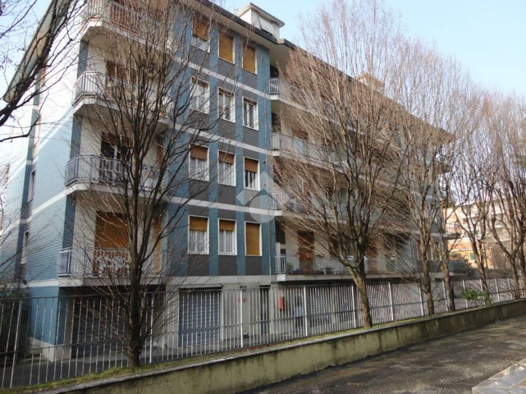 Appartamento da ristrutturare in vendita Rif. 9480079