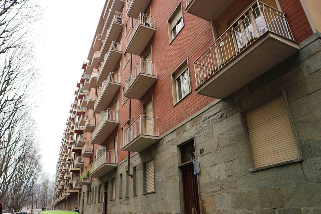 Appartamento in buone condizioni arredato in affitto Rif. 9487133