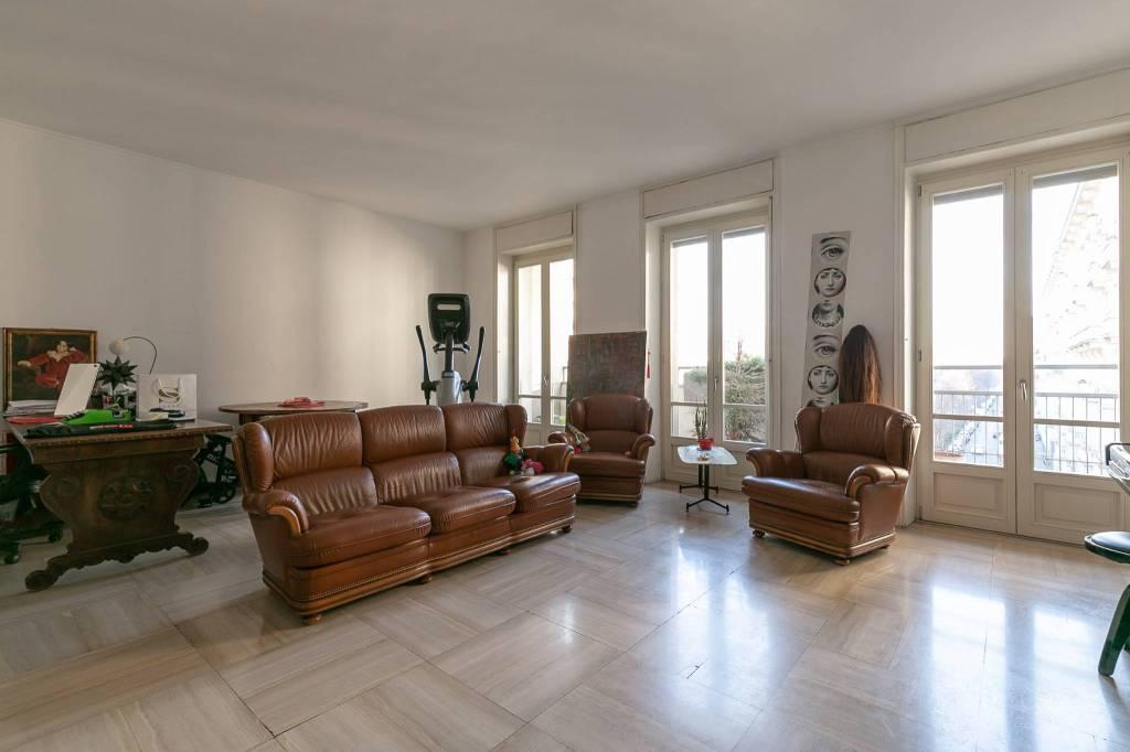 Appartamento in buone condizioni parzialmente arredato in affitto Rif. 9488589