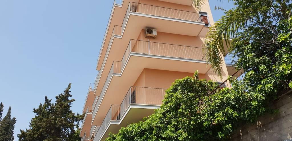 Appartamento in ottime condizioni in vendita Rif. 9480861