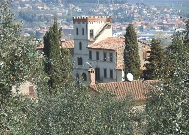 Palazzo in Vendita a Piegaro Periferia: 5 locali, 500 mq