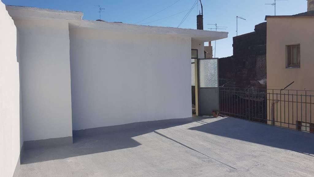 Appartamento da ristrutturare in vendita Rif. 9479794