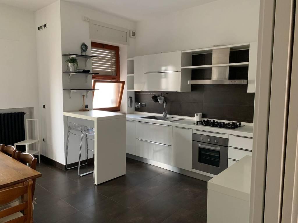 Appartamento in Affitto a Lecce Centro: 4 locali, 120 mq