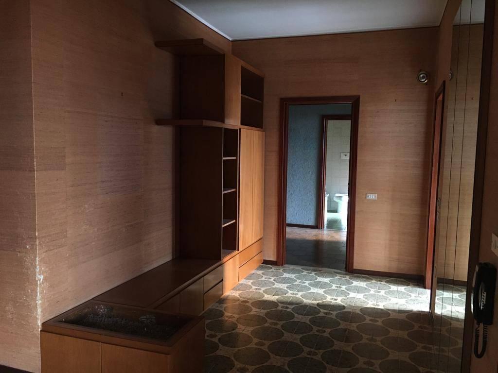 Appartamento in vendita a Gandino, 4 locali, prezzo € 85.000 | PortaleAgenzieImmobiliari.it