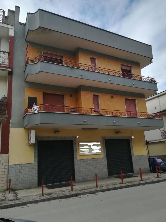 Appartamento in buone condizioni in affitto Rif. 7908431
