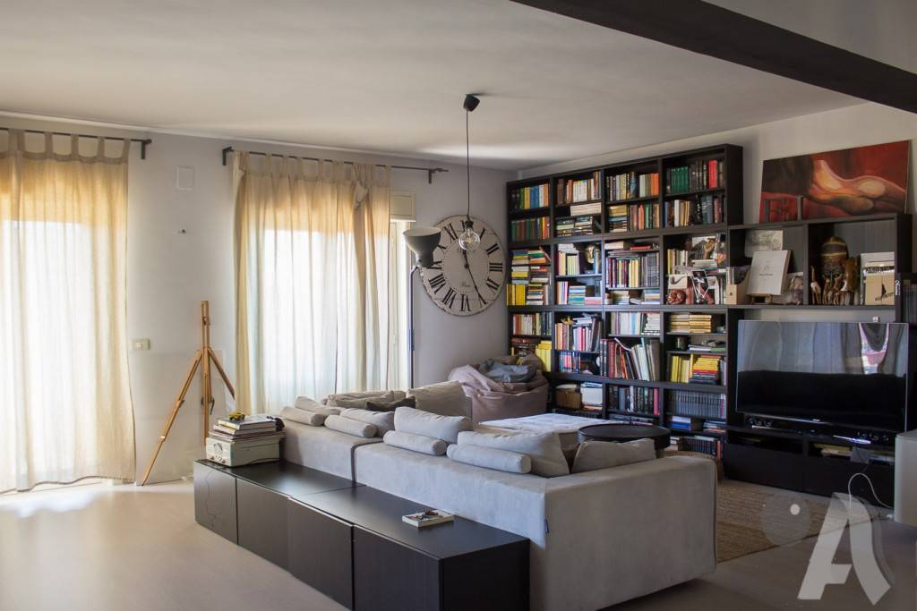 Appartamento in vendita a Messina, 4 locali, prezzo € 180.000 | CambioCasa.it