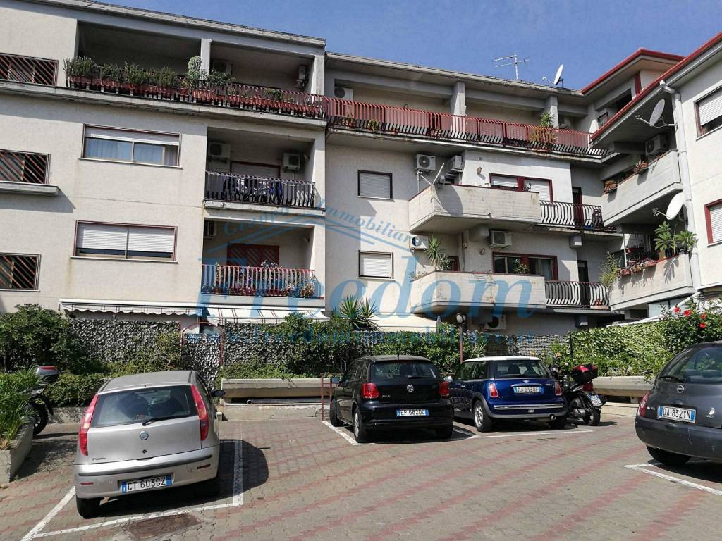 Appartamento in Vendita a Aci Castello Centro: 5 locali, 130 mq