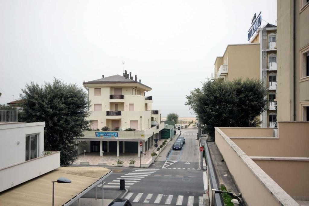 Soluzione Indipendente in vendita a Rimini, 8 locali, prezzo € 425.000 | CambioCasa.it