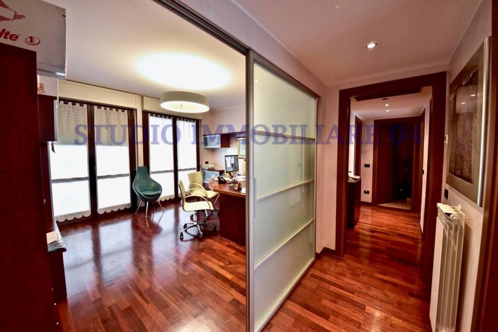 Appartamento in vendita a Cormano, 3 locali, prezzo € 255.000 | PortaleAgenzieImmobiliari.it